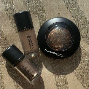 MAC Eyeshadows w/FREE double-ended eyeshadow brush